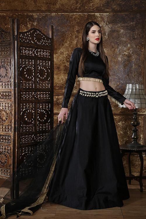 Black Color Semi Stitched Lehenga Choli Set With Waist Belt (3)