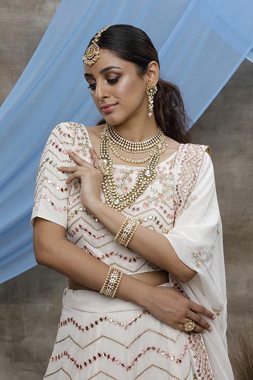 Pearl White Beautiful Bridal Look Designer Lehenga Choli Collection (2)