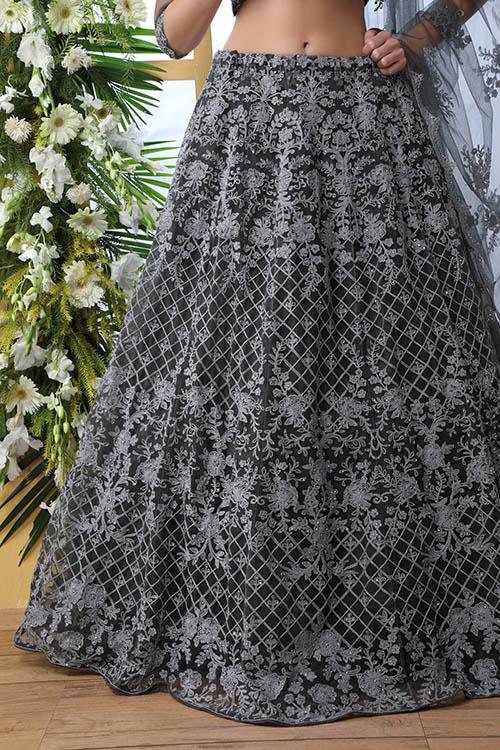 Grey Net Fabric Thread Embroidered Lehenga Choli (3)