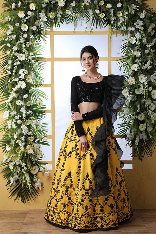 Yellow Color Embroidered Lehenga Choli With Fancy Dupatta (6)